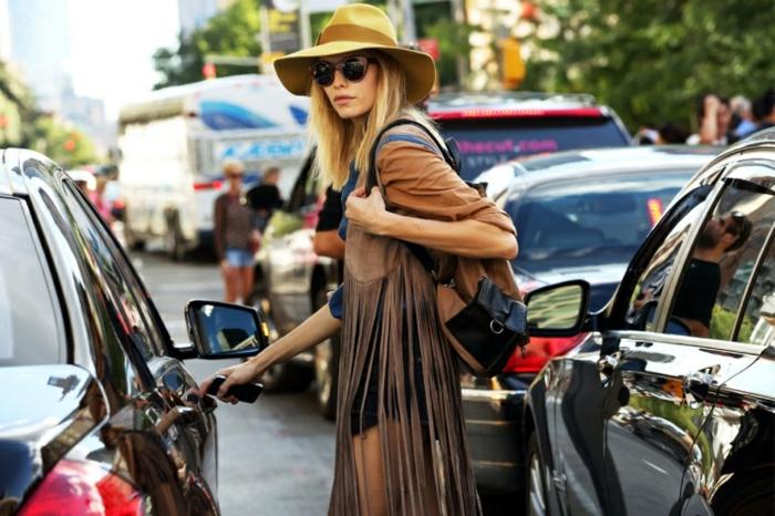 Les hippies aujourd hui vetement hippie femme tenue moderne hippie style veste tendance