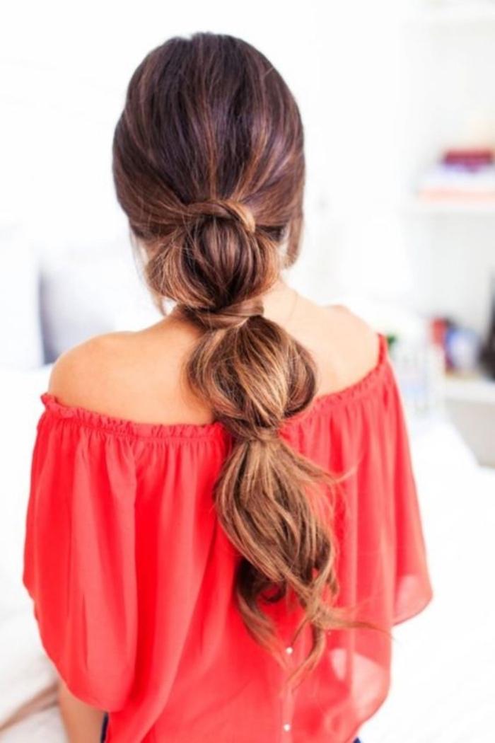 idée que queue de cheval, type princesse, sirene, modele coiffure facile et rapide, cheveux chatain longs