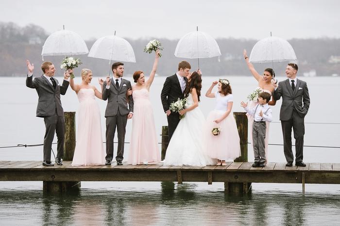 comment réaliser des photos de mariage réussies dans la pluie, séance photo sous la pluie