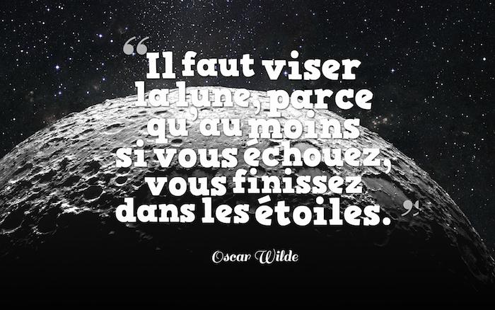 dicton sur la vie, image cosmos et planète, phrase inspirante sur la vie, papier peint bureau en noir