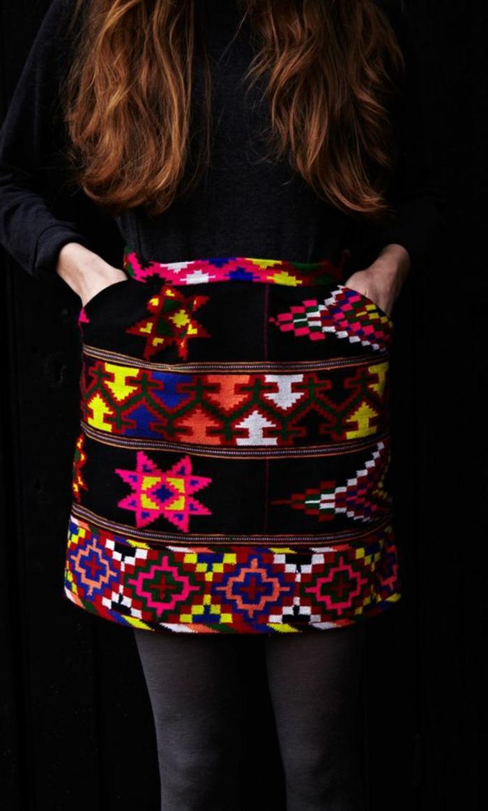 jupe ethnique, jupe aux couleurs néons, motifs navajo et aztèques, mode boho
