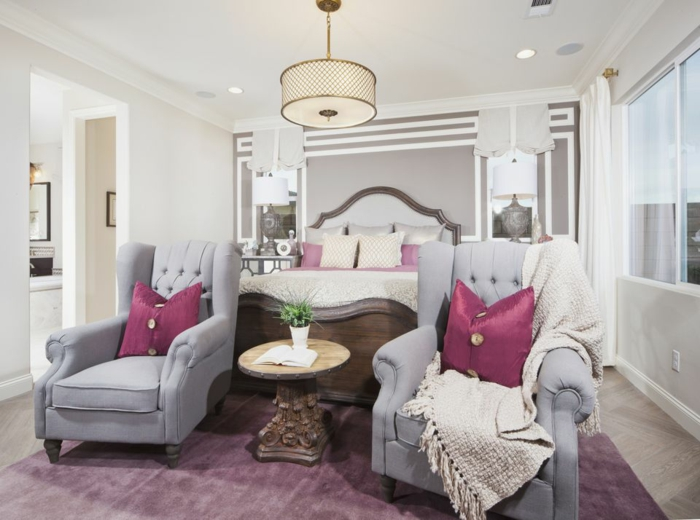 Idee deco chambre adulte gris chambre beige et blanc couleurs pour une chambre canapés gris tapis rose-violet