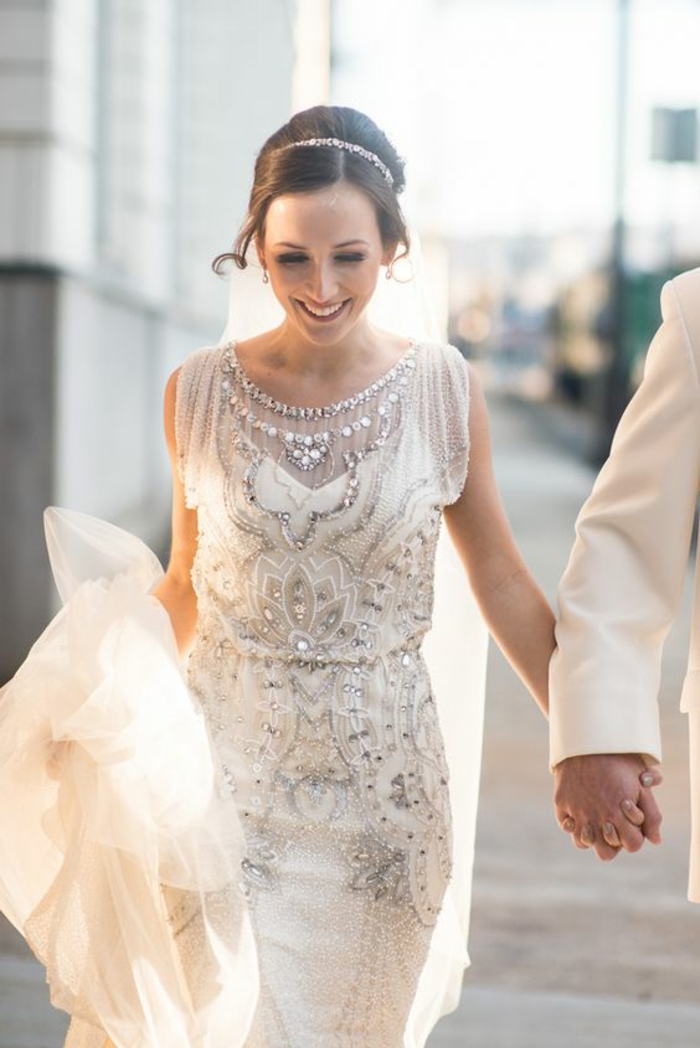 Ravissanterobe de mariée avec manche robe de mariee boheme vintage robe sans mancges