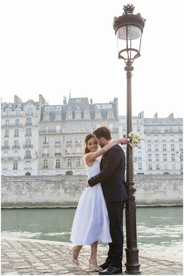 Moderne robe mariee courte robe de marié pas cher princesse