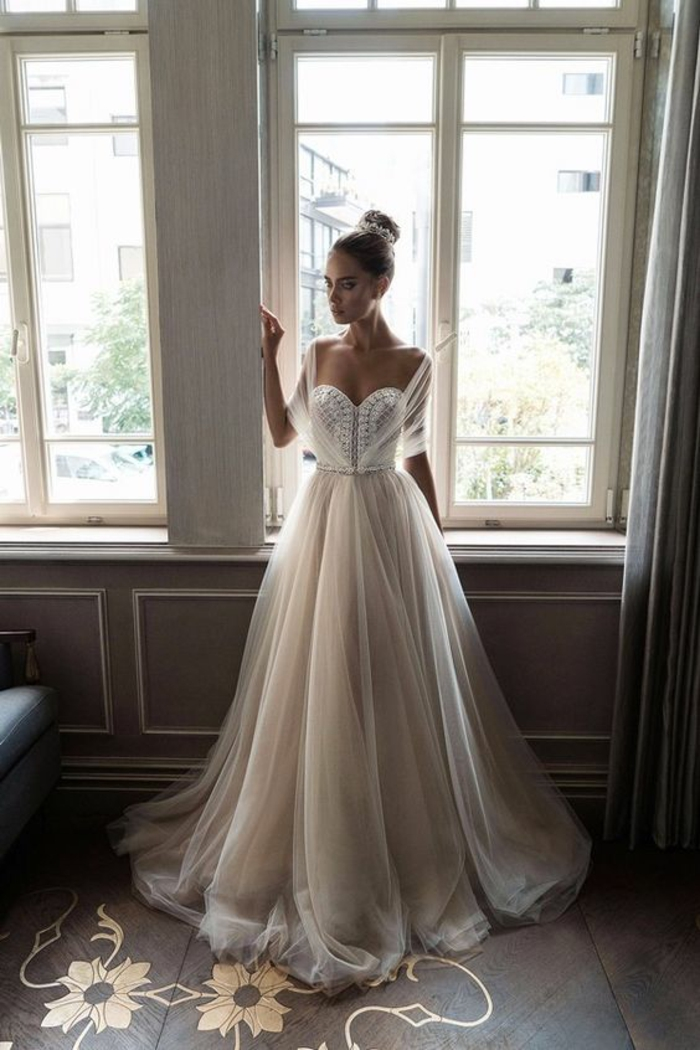 Robe mariage pas cher robe sirene mariage modern idée modèle magnifique modele