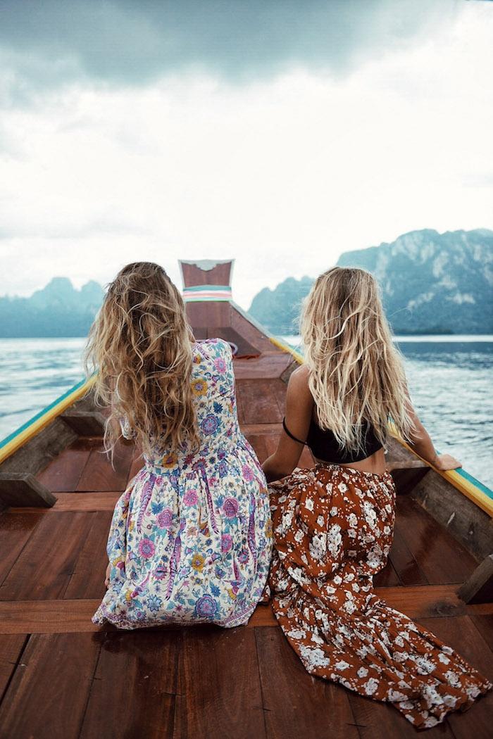 Déguisement hippie femme hippies style tenue hippie deux amies voyage jolie robe fleurie jupe et top