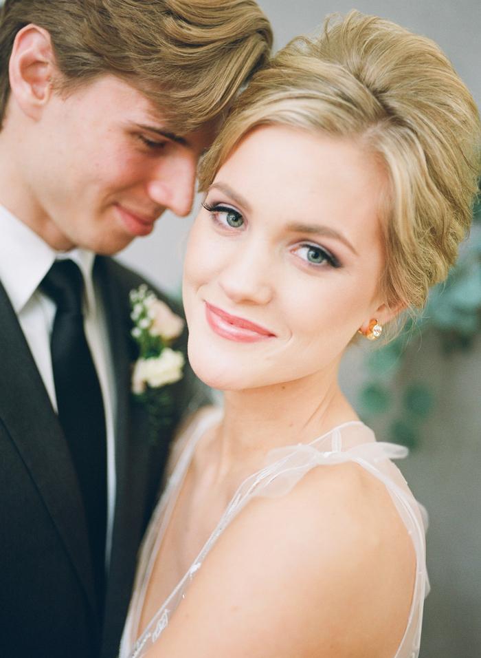 un maquillage mariage discret et naturel, teint frais et illuminé