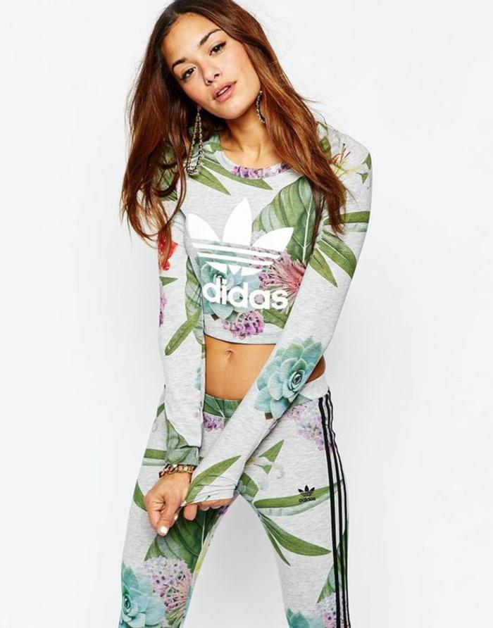 Look sport chic femme vetement de fille swagg tenu swag femme tenue de sport fleurie adidas
