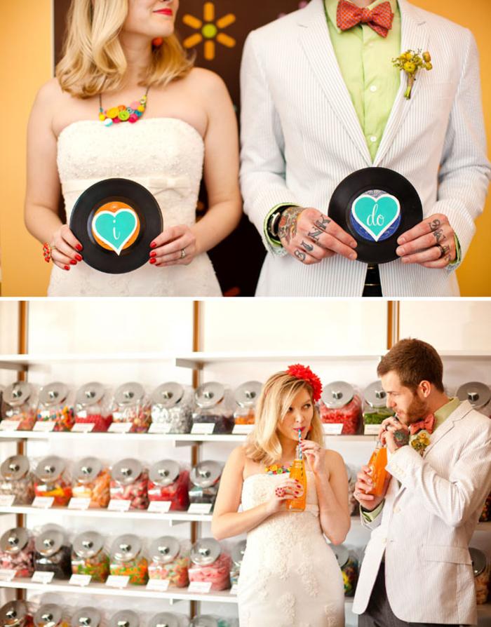 un mariage original sur thème confiserie, photo de couple décontractée