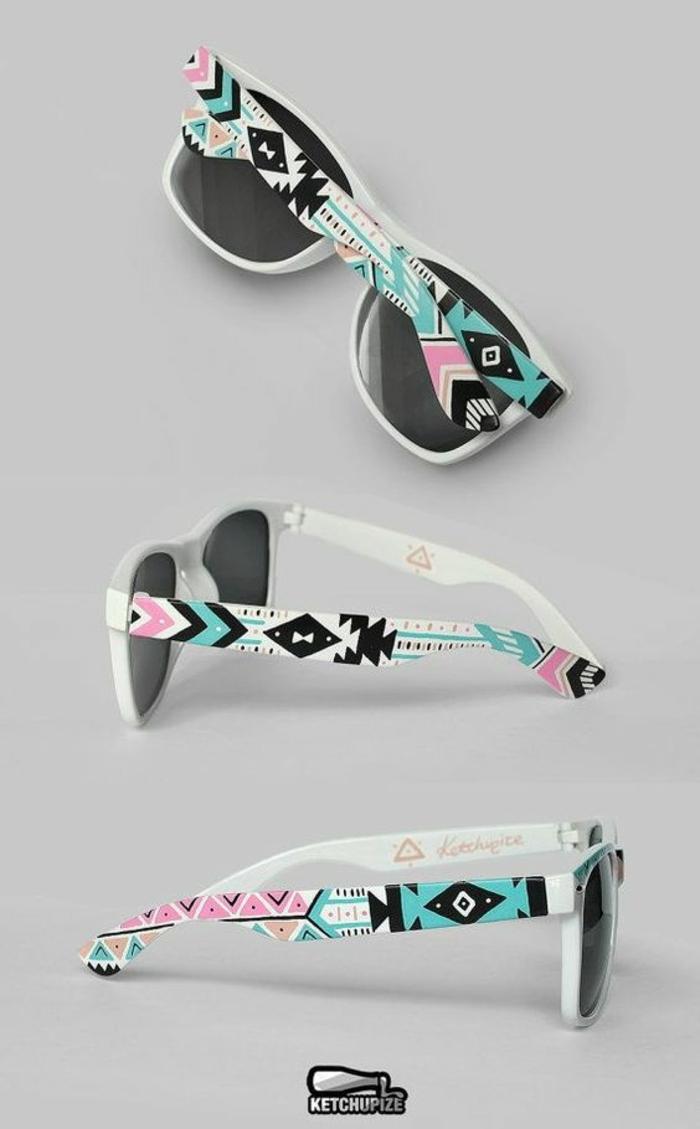 mode ethnique, lunettes de soleil aux motifs aztèques, couleurs rose et bleu