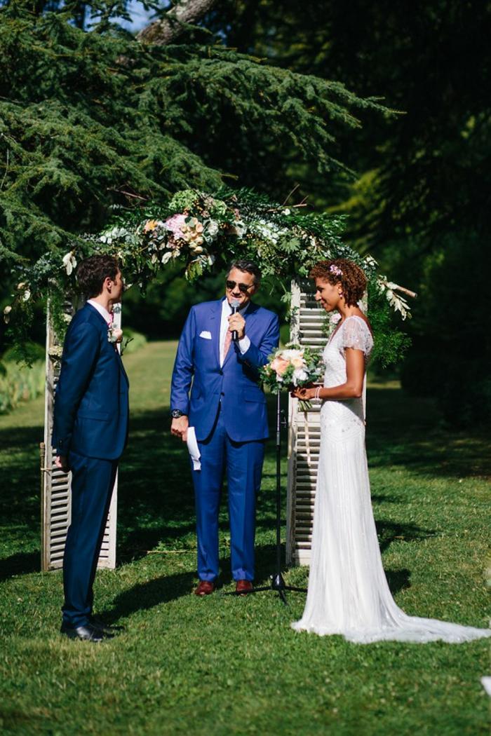 Jolie montage fleurs mariage arche de fleur composition fleurs mariage