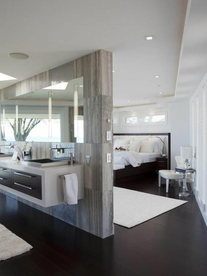 gris perle couleur nuance nacrée séparateur d espace avec meubles integrés dans un grand salon