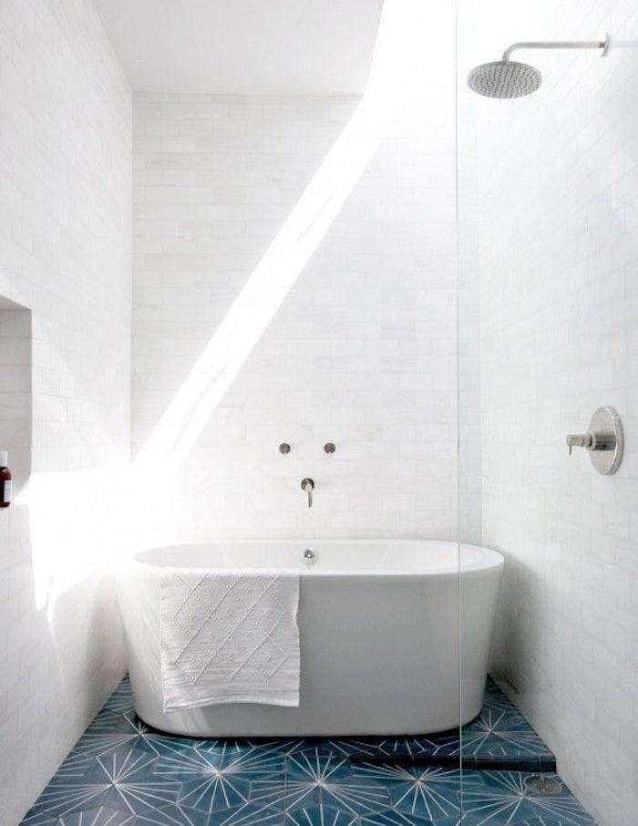baignoire gain de place salle d eau étroite petit bac bain