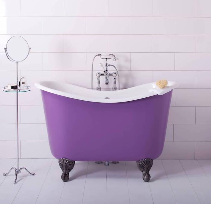 mini baignoire vintage couleur violet sur pieds déco old school baroque