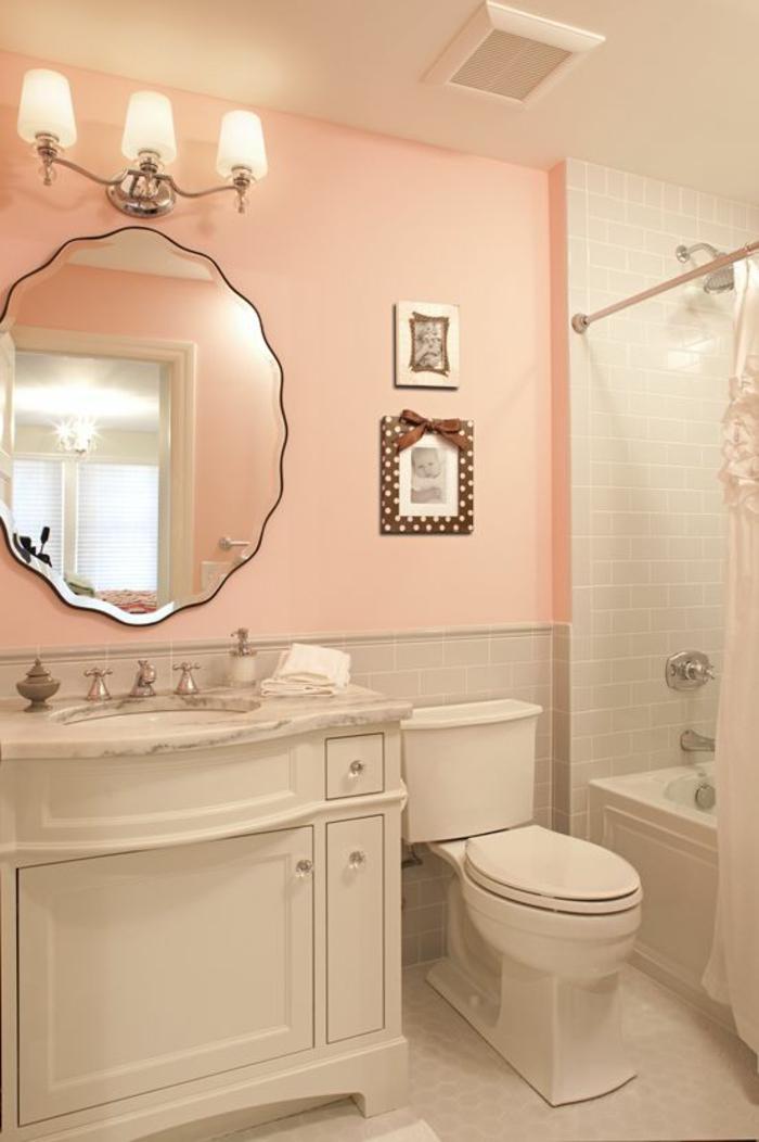 petit salle de bain aux murs en couleur peche ambiance douce et relaxante