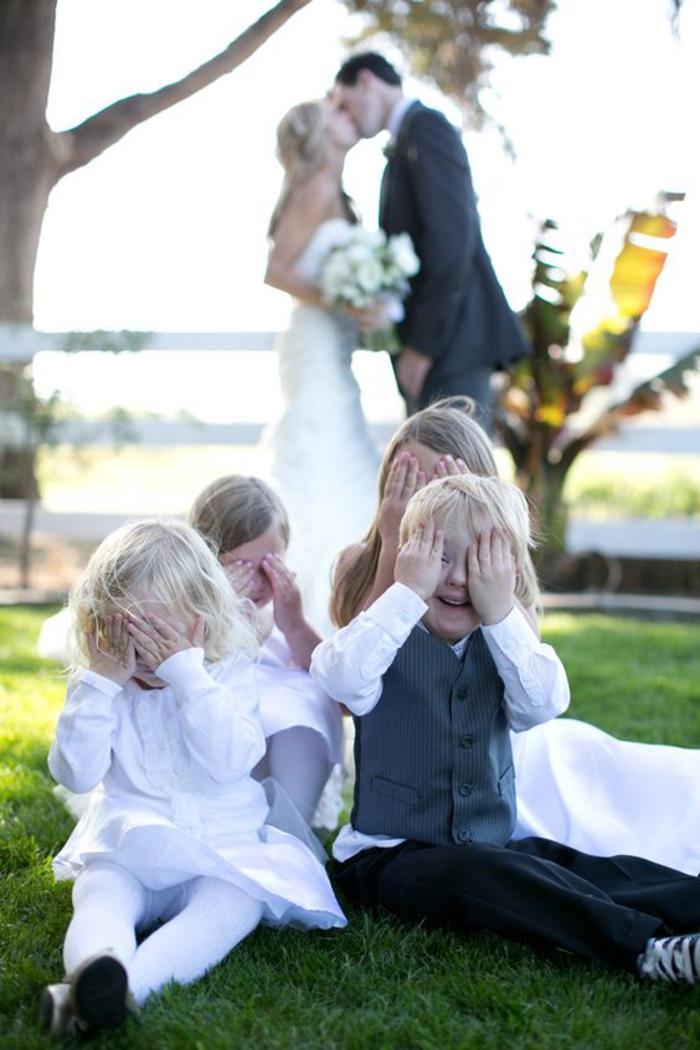 une adorable photo mariage avec des enfants en premier plan, comment réaliser de jolies photos avec des enfants