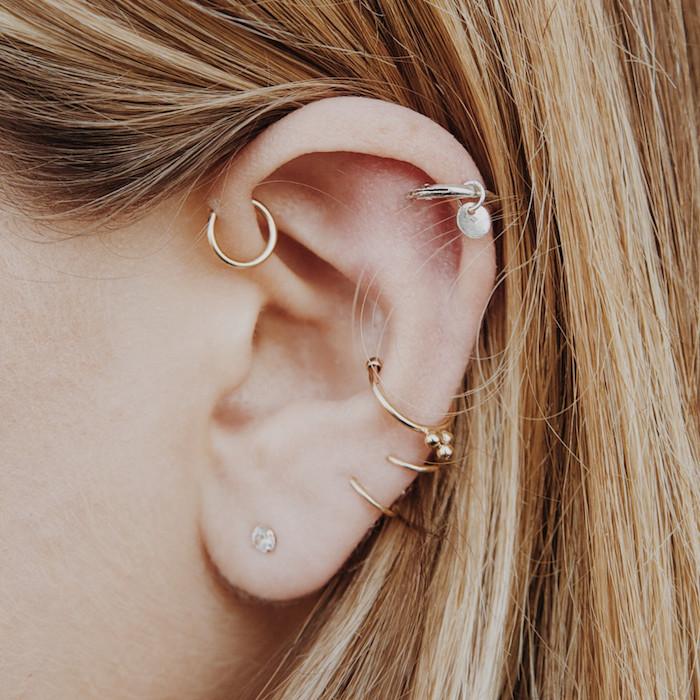 piercing femme, anneau pour oreilles en or, piercing anti-hélix, piercing hélix, bijoux discret