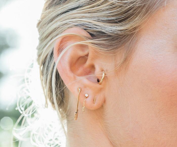 piercing femme, balayage californien, bijoux en or, piercing oreille tragus, anneau pour oreilles