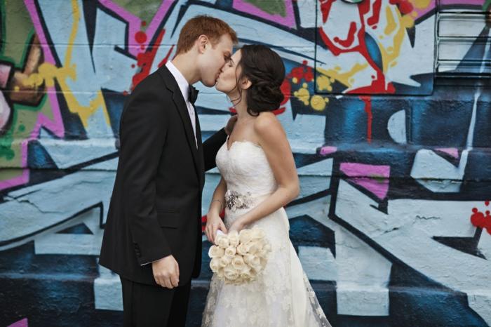 Plaisante robe de mariée près du corps robe de mariee simple