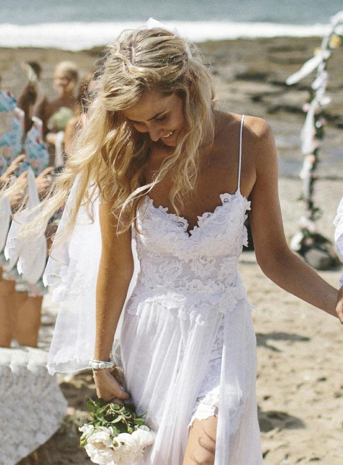 La robe de mariee dentelle robe de mariée pronuptia tendances mariage plage