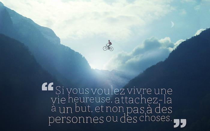 les plus belles citations, image de la nature, photo irréelle avec homme volant sur vélo, nuages blanches et rayons de soleil
