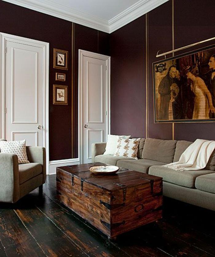 quelle couleur associer avec l'aubergine, portes blanches, sofas gris, table en bois recyclé