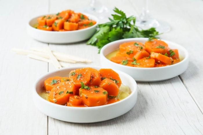 recette carottes aux fines herbes, origan, paprika, ail écrasé, cumin en poudre avec vinaigre de sherry et de l'eau