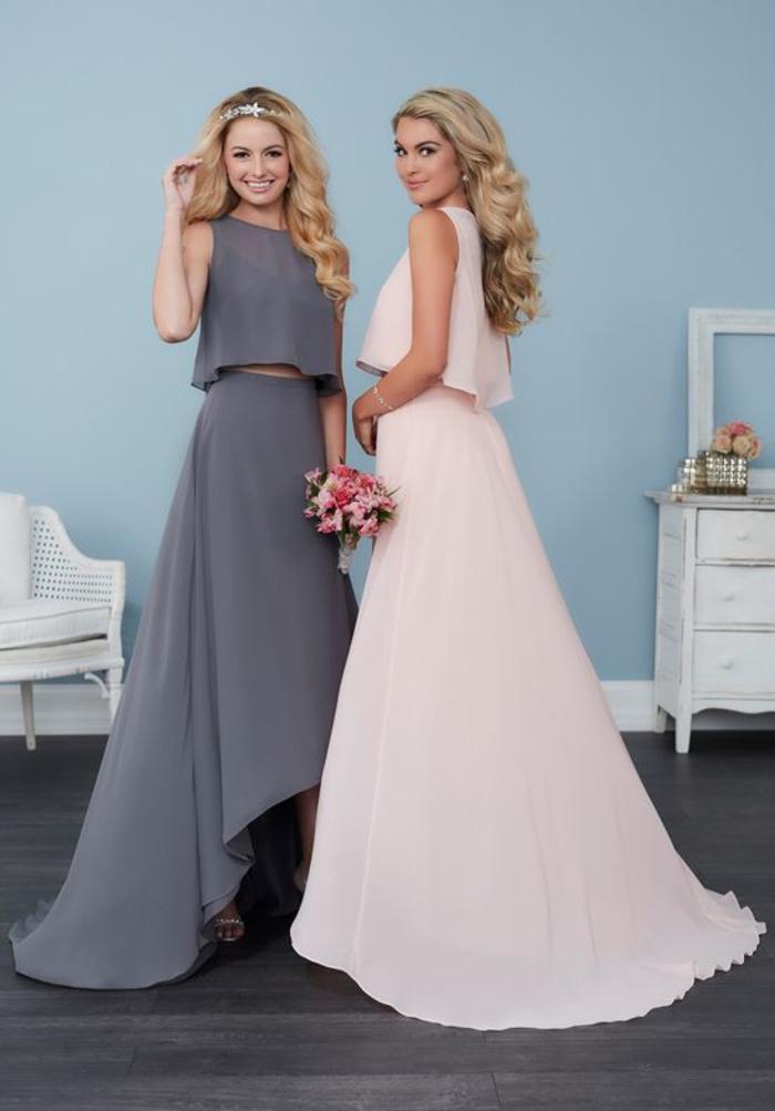 la tendance est aux robes deux pièces qui associent un top court à une jupe maxi longue