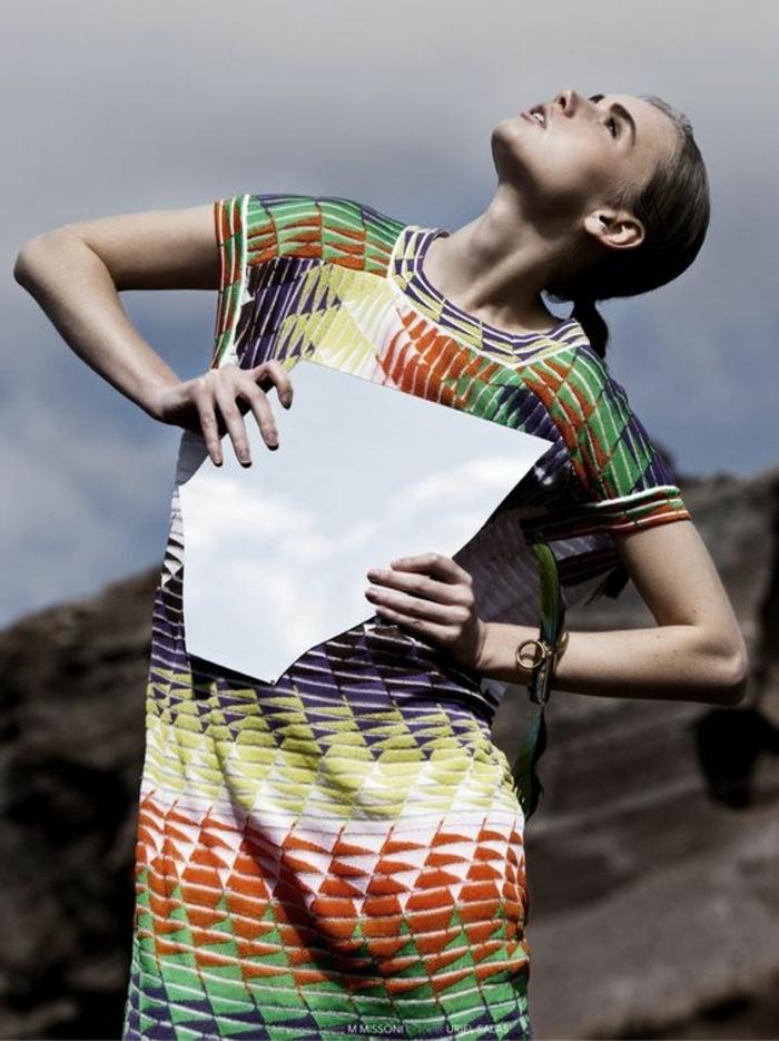 robe imprimé ethnique, robe originale, imprimés géométriques en différentes couleurs