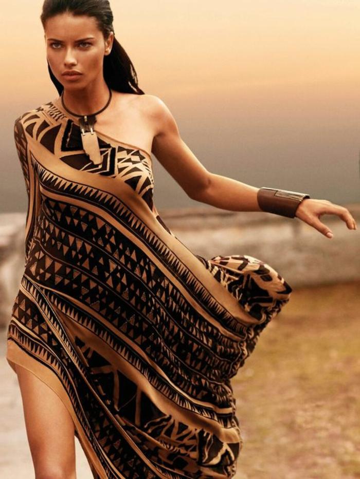 2c39681b5e5 L  imprimé ethnique sur les vêtements et les accessoires modernes