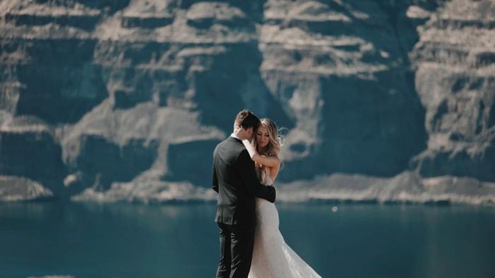 Robe de mariée fourreau robe de mariée rose ou blanche moderne mariage grande cannion