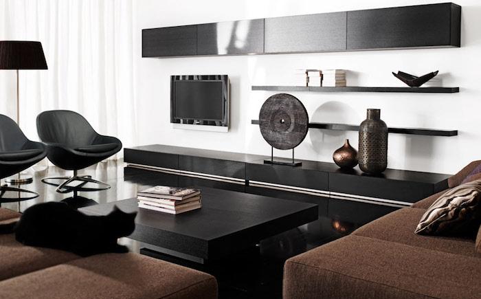 deco design minimaliste de salon noir et blanc et fauteuils vintage