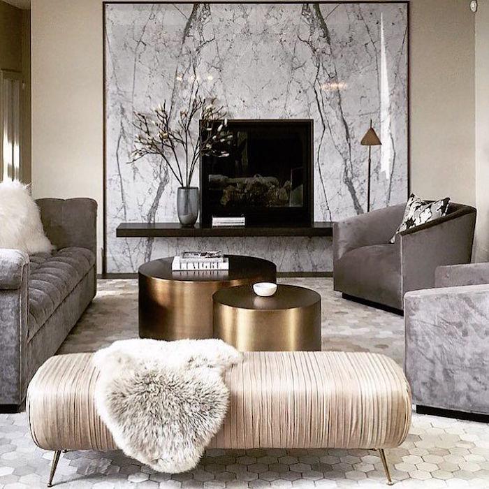 idée décoration séjour scandinave meubles luxe table dorée