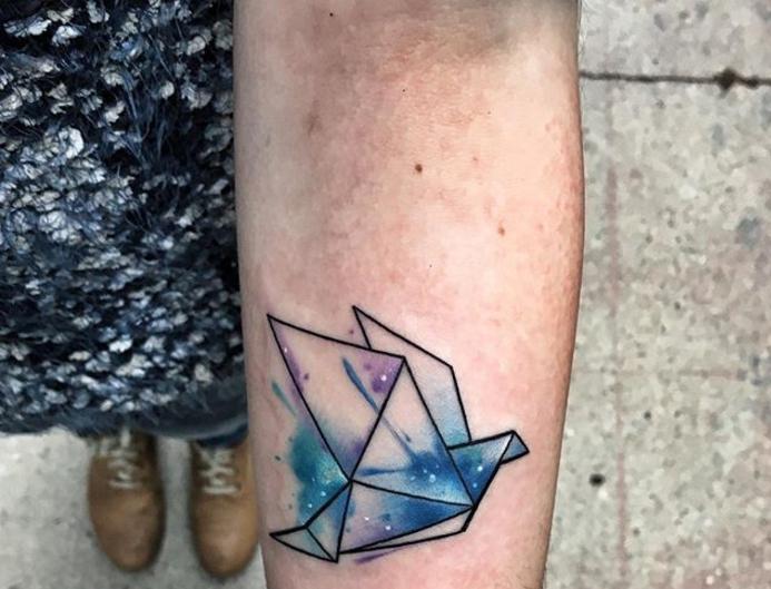 tatouage aquarelle oiseau en origami