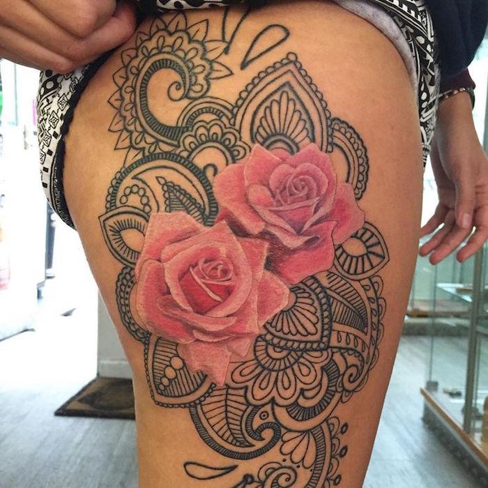1001 id es tatouage rose un bouquet d 39 id es et 50 mod les - Tattoo cuisse femme ...
