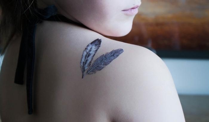 1001 Significations Et Designs Du Tatouage Plume Impressionnant