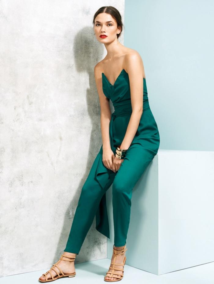 silhouette élégante de dame d honneur en combi short vert émeraude