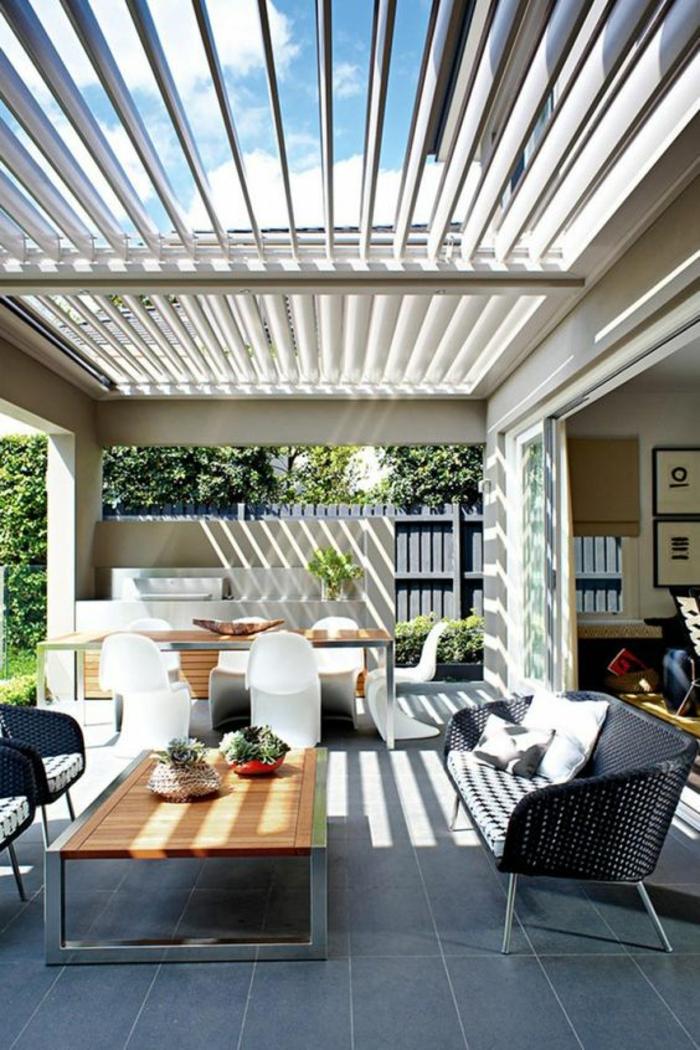 terasse couverte avec ouvertures du toit réglables et inclinables