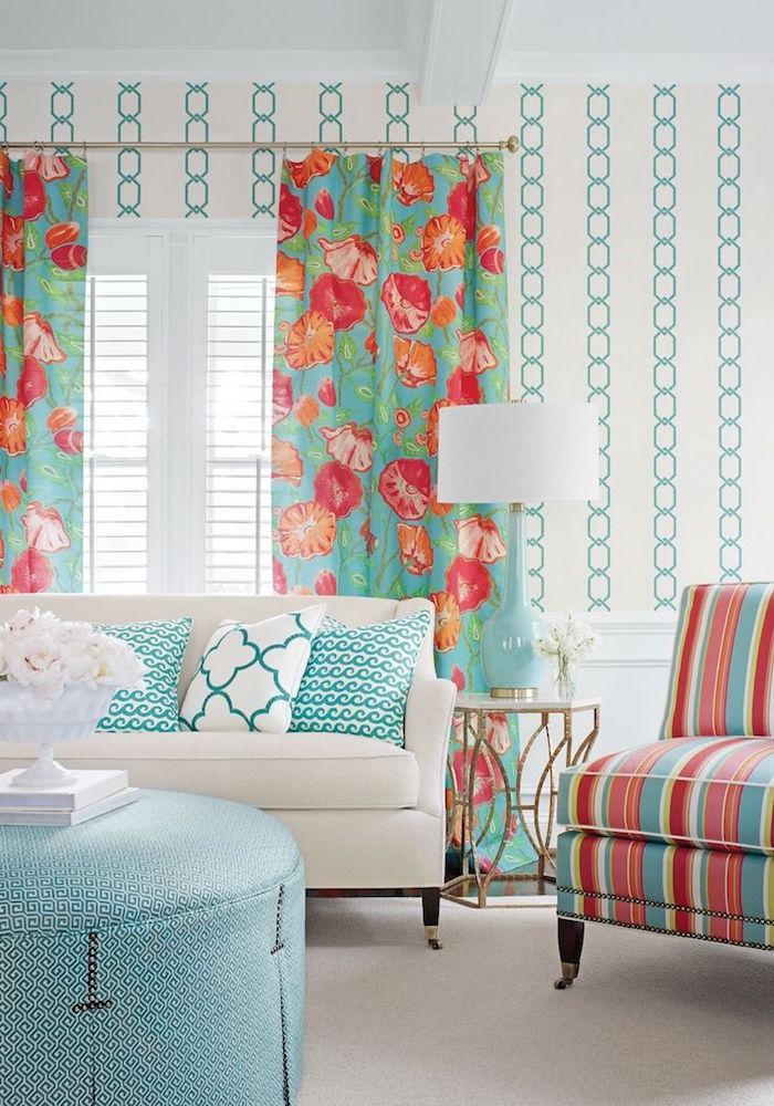 décoration salon murs blancs accessoires turquoises et corail