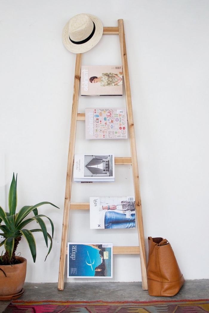 diy rangement magazines échelle en bois, idée d accent scandinave intéressant dans la chambre et tapis oriental