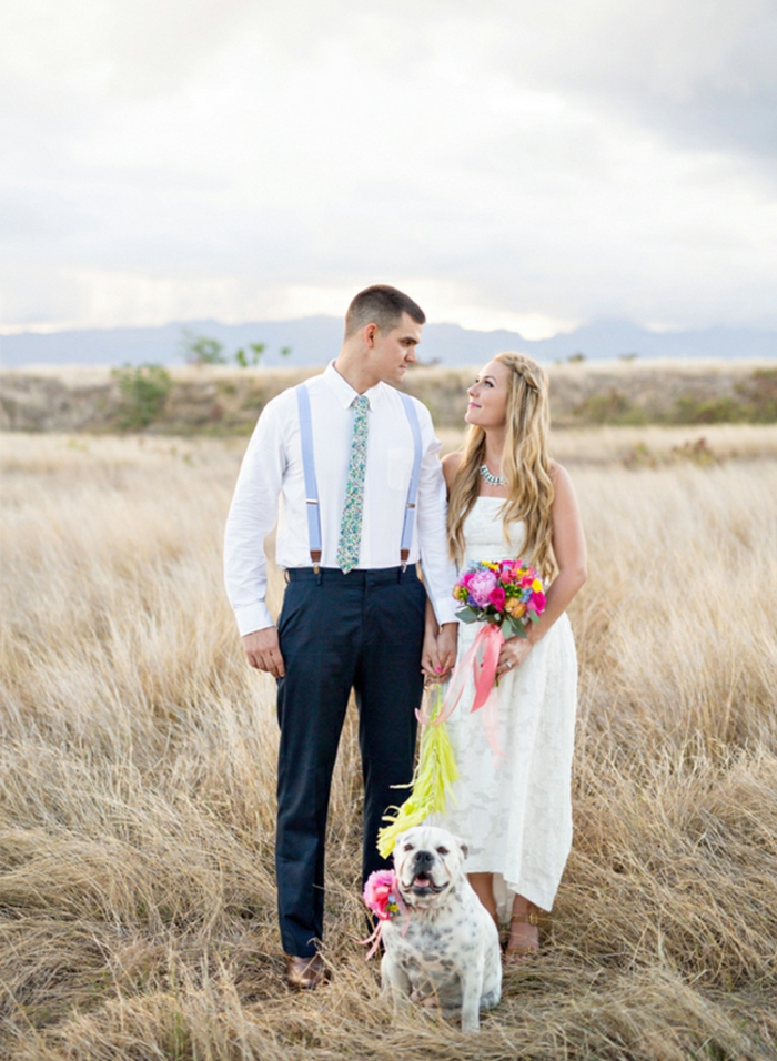 Votre robe de mariée asymétrique robe de mariée romantique mariage champetre avec un chien