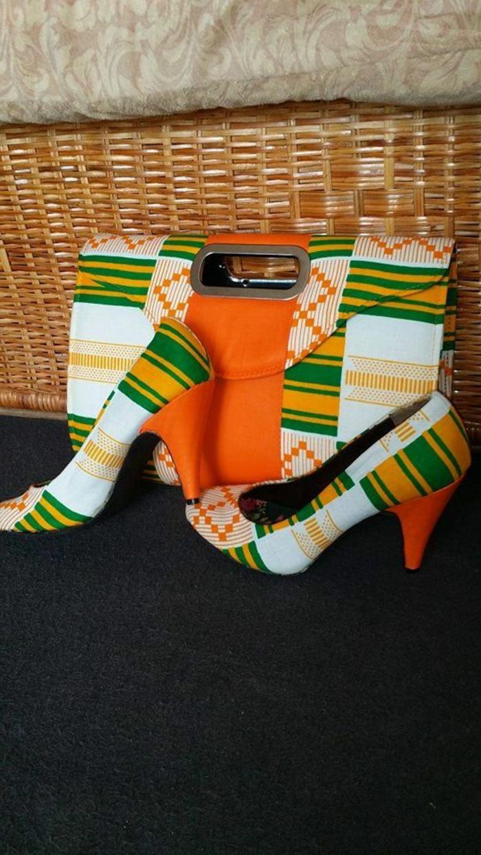 vêtements femme originaux, sac et escarpins aux imprimés ethniques en orange, jaune et vert