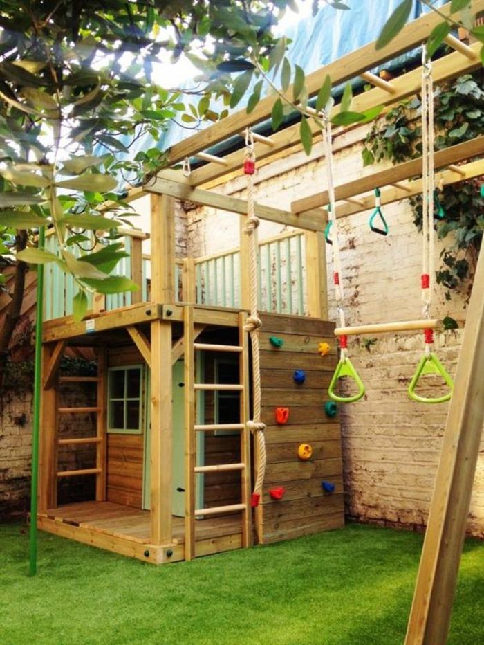 aménager un petit jardin pour les enfants avec des jeux et divertissements pour les petits