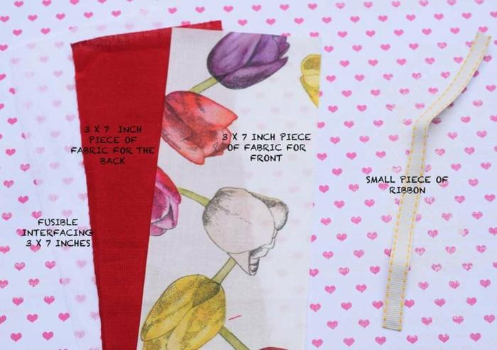 Décorer son maison vous memes a l aide de tuto couture facile marque page en tissu pas à pas