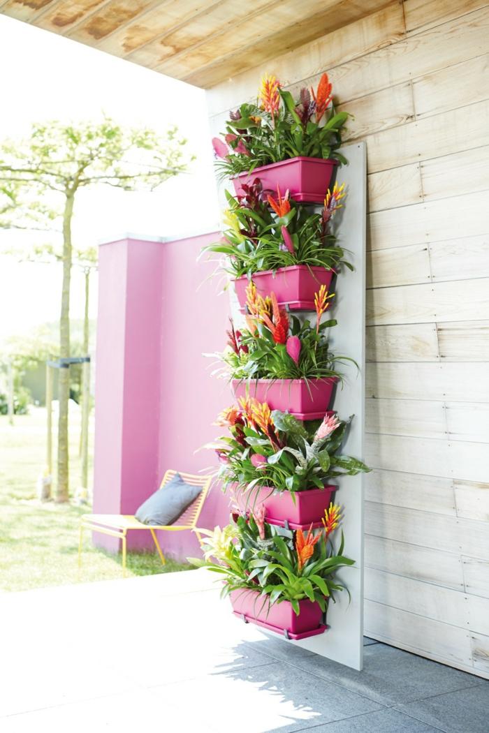 comment amnager son jardin avec des pots de plantes rectangulaires roses - Amenager Un Jardin Rectangulaire