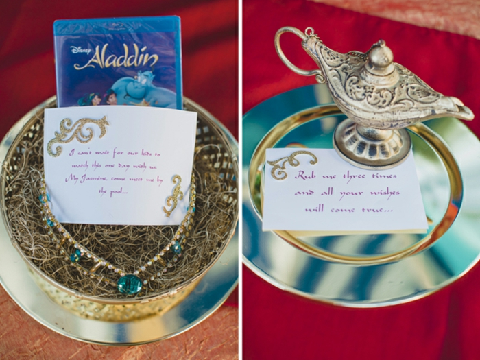 Billet disney faire part bapteme mickey mariage blanc et argent Aladdin