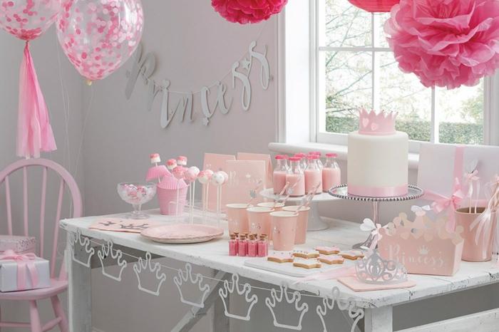 Joli gateau de princesse idée gateau anniversaire princesse preparation décoration table anniversaire