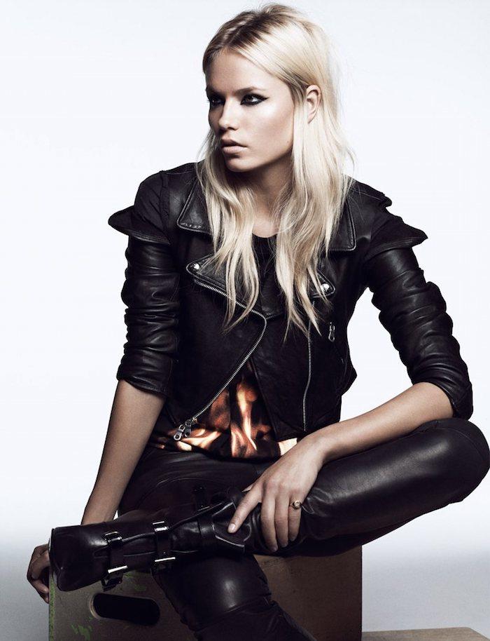 vetement femme fashion, bottines en cuir noir à talons hauts, tenue total noir en veste et pantalon simili cuir