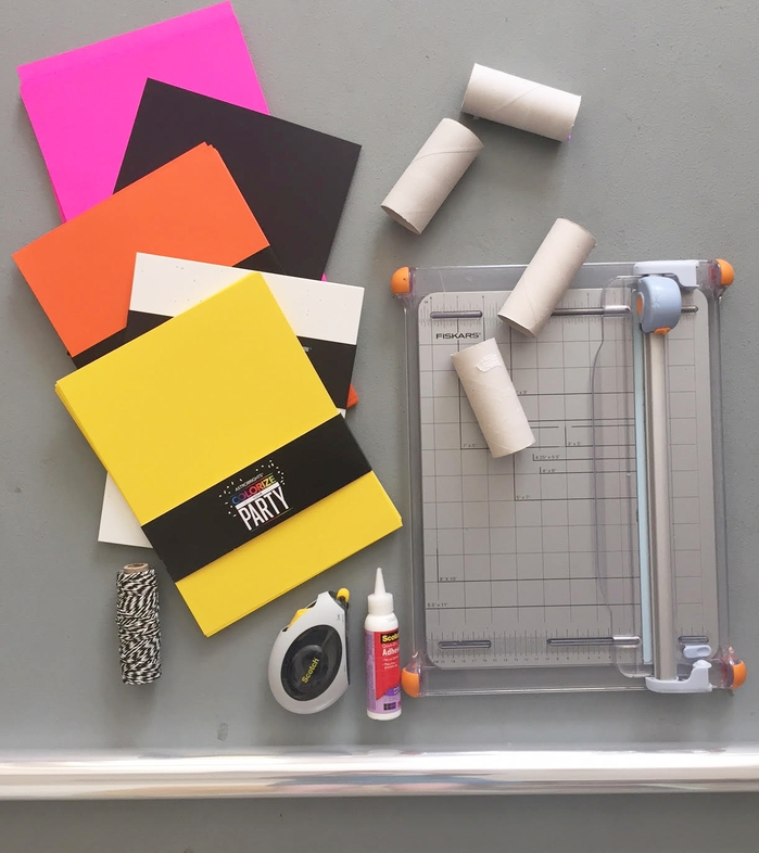 comment réaliser une décoration pour halloween originale en tubes de papier toilette recyclés