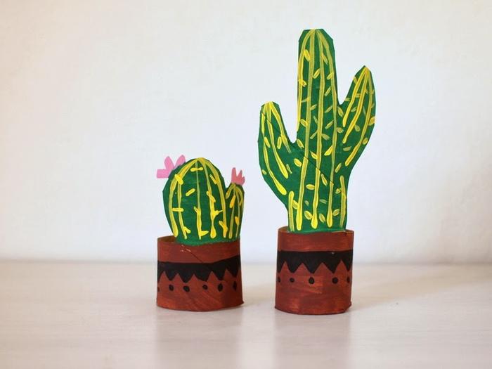 comment faire des pots de cactus à partir des tubes en carton, idée originale de bricolage rouleau papier toilette